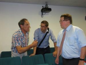 Le responsable de l'établissement Nicolas Bottelin (à gauche) en compagnie de l'inspecteur  Jean-Nicolas Birck jeunesse & sports et du sous-préfet Yves Camier