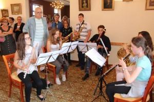 L'animation musicale été assurée par une petite délégation de stagiaires de l'Académie de Musique