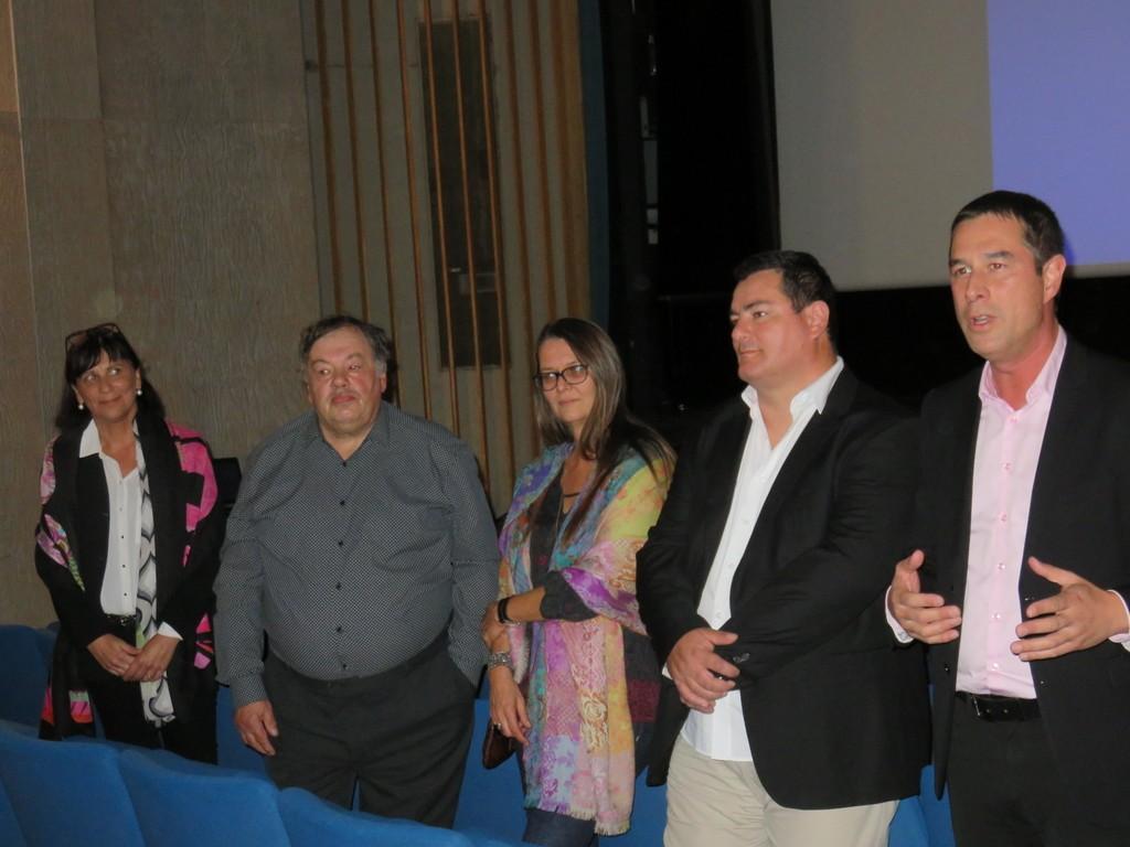 De gauche à droite : Cathy Cénec, Francis Regaud, Marie-Noelle Himbert, Nicolas Forêt et le maire Stessy Speissmann qui a lancé les réjouissances à la MCL