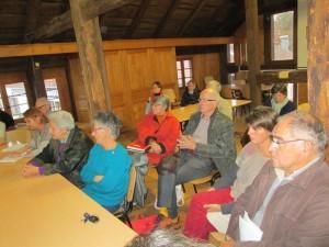 Des associations locales comme Artisans du Monde, mais aussi des particuliers et des représentants de la Municipalité avaient répondu à l'appel