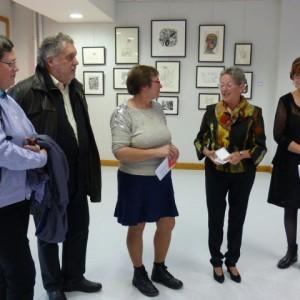 Lilia Boch avec les élus locaux lors du vernissage