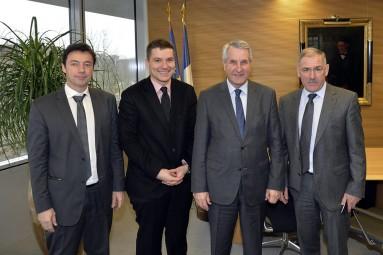 Réunion concernant le dossier du lac de la pierre percée avec Mr Bernard Muller Président du syndicat mixte d'aménagement et Mme Thouvenin Directrice du sma