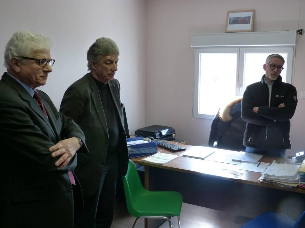 de Gauche à droite : Pascal Kneuss président de la CMA, Daniel gremillet sénateur des Vosges et Richard Jeanpierre responsable de l'émaillerie