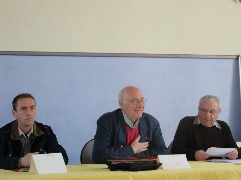 Le président Michel Grüner entouré du secrétaire Francis Bretenoux et du 1er adjoint Jean-Luc Perrot (à gauche)