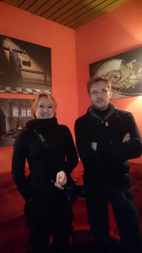 Carmen est rénovatrice d'intérieur, Sylvain magasinier, et tous deux partagent une passion commune pour l'urbex et la photo