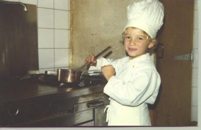 Premeir pas derrière les fourneau pour Philippe Laruelle (5 ans)
