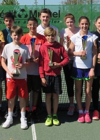 L'ensemble des vainqueurs du tournoi (photo : TC Epinal)