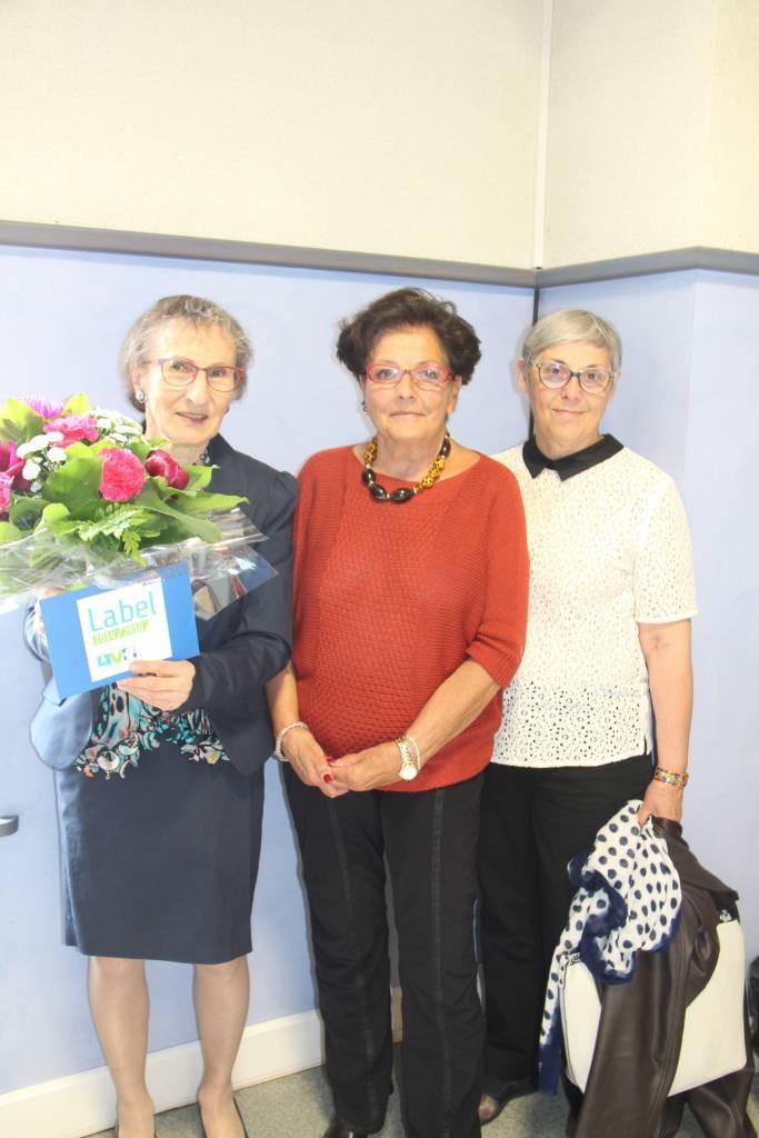 Michèle Schmitt (à gauche) en compagnie de marie Thérèse Werling et Ghislaine Ingold, respectivement président de l'union régionale des AVF et de la responsable de la formation régionale des bénévoles.