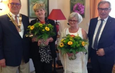Passation de pouvoirs entre B. NOEL et P. ORIOT en présence de leurs épouses