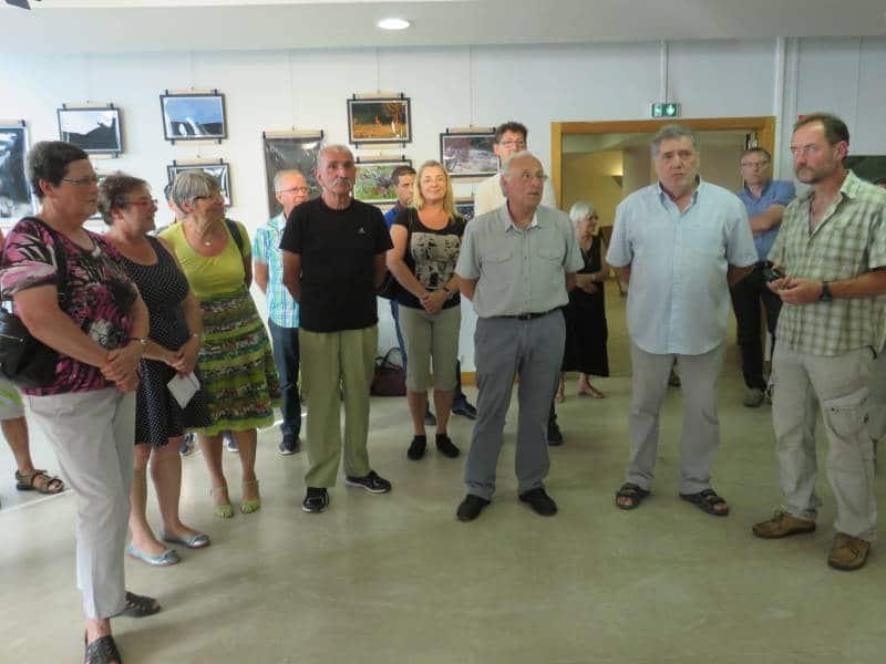 Jacques Martin (au centre) en compagnie des élus locaux et des exposants de cette 4éme édition