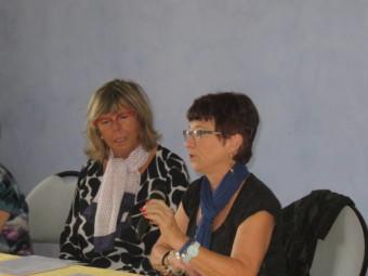 Gisèle Monasse (au micro) et Liliane Georges
