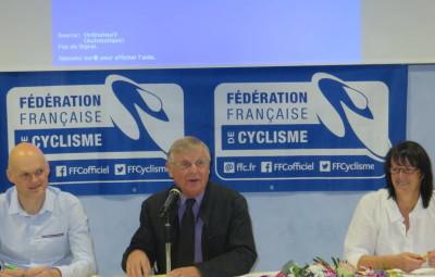 une 66éme assemblée générale du VSG présidée par  Jean-Claude Ruer (au centre) en compagnie de l'adjointe aux sports Nadine Bassière