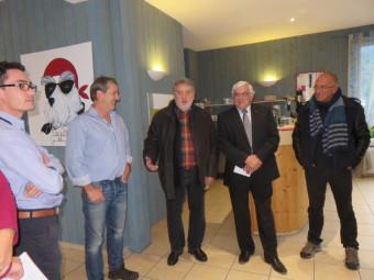 De droite à gauche : Pierre Imbert, vice président du pays de la Déodatie, Guy Drocchi son président, jean-François Duval, Pascal Bontemps et Erwan Moisson