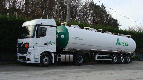 vosges un camion perd litres de lait et 400 litres de gasoil gerardmer info. Black Bedroom Furniture Sets. Home Design Ideas