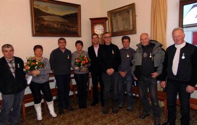 Les médaillés et retraités en compagnie du maire de la Perle