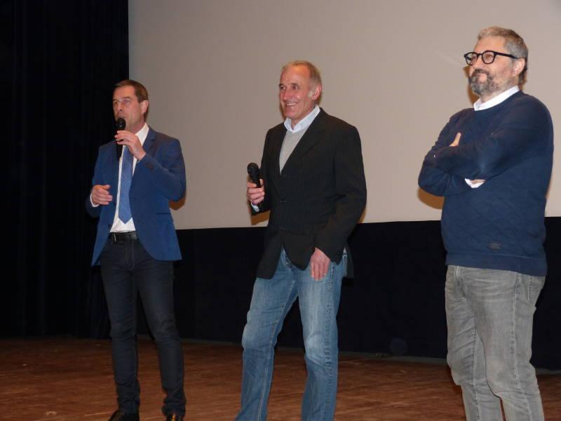 Stessy Speissmann auprès de André Bouvad et du Réalisateur