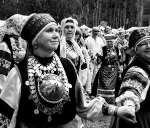 Chanteuses/ danseuses Setos. Värska, 2016. Crédit : VàR.