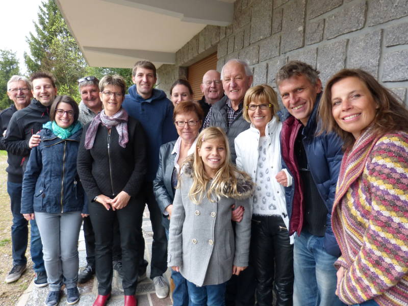 Gillles Thiébaut entouré de sa famille et ses amis