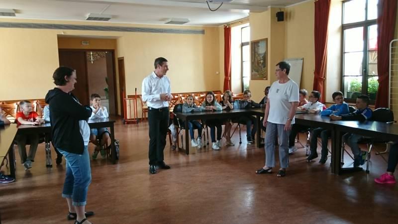 Les jeunes conseillers ont reçu la visite du maire de Gérardmer ici en compagnie de Marie-Rose Briot & Karine Bédez