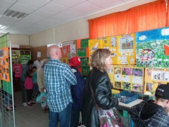 Visite de l'exposition par les familles