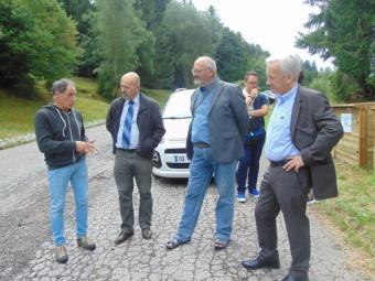 Nicolas Bottelin (à gauche) en compagnie des représentants du SMD et de la Communauté de Communes