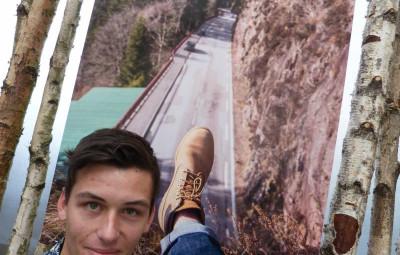 Paul aime prendre son pied par la photographie