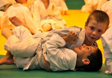 Les baby-judokas en pleine action