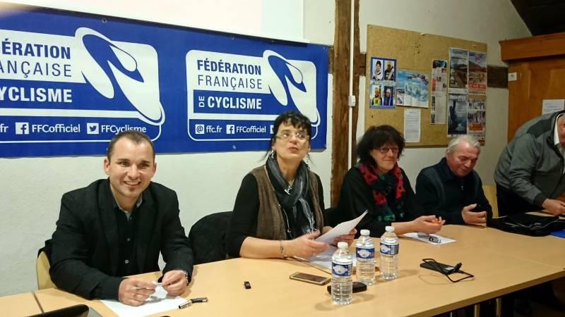La présidente Marie-Christine Hacquard en compagnie de l'adjointe aux sports de la Ville de Gérardmer Nadine Bassière et du député Christophe Naegelen.