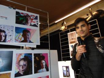 Certains participants ont été invités à présenter leur travail au micro