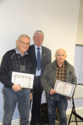 Jean-Marie Gabriel a reçu la médaille de Prestige du Souvenir (6 ans de fidélité) et Michel Cuny le Diplôme d'Honneur.