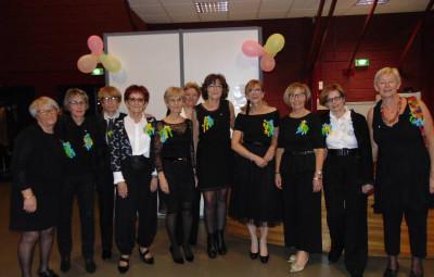 Marceline Jacquot et les membres du Kiwanis Perle d'Hugo célébraient le dixième anniversaire du club samedi soir.