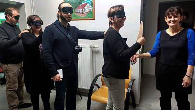 Vous rentrerez dans l'escape room les yeux bandés histoire de ménager l'effet de surprise...