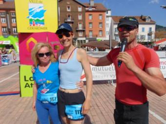 Les 2 meilleures marcheuses Monique & Patricia en compagnie de Yann Robiscgung.