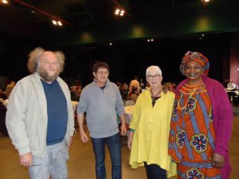 Philippe Wannesson (à gauche sur la photo) en compagnie de membres du Comité Antiraciste de Gérardmer.