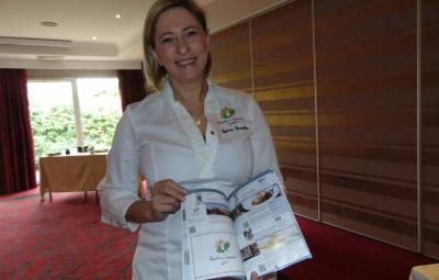 Sylvie Grucker présente le guide des MCF