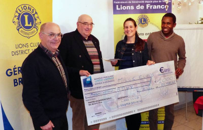 lions club remise cheque (1)
