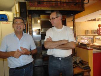 Le vice-président du Conseil Départemental Alain Roussel en compagnie du patron de la boulangerie Damien Montigny