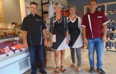 Arnaud & Aline Daval (à gauche) en compagnie de Corinne qui vous servira à Gérardmer, et Jérôme Saguin.
