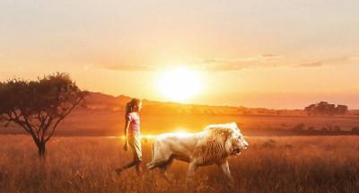 Mia-et-le-Lion-Blanc-Bannière