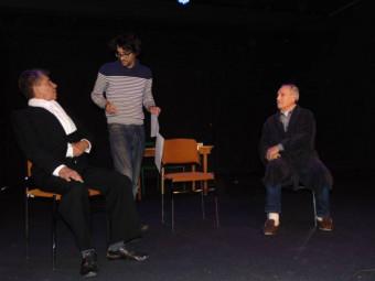 Les acteurs en compagnie de Jérôme Thibault.