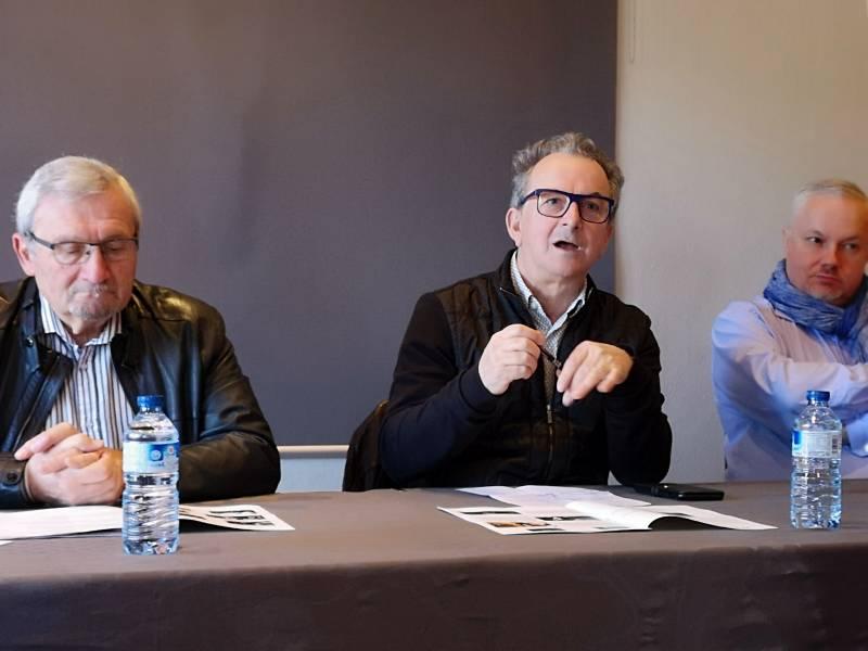 Le programmateur des Rencontres Denis Blüme en compagnie du président de l'Office de Tourisme Hervé Badonnel et de Thierry Tabaraud, président du Syndicat des directeurs de salles de l'Est.