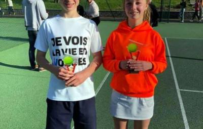 Mel en compagnie de son frère Tao, licencié à St Dié et lui aussi champion des Vosges chez les garçons !