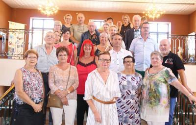 """petite """"photo de famille"""" des lauréats et participants présents lors de la cérémonie de la Semptremeye en mairie."""