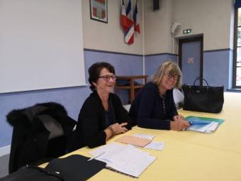 Giselle Monasse en compagnie de la trésorière de l'association Liliane George.