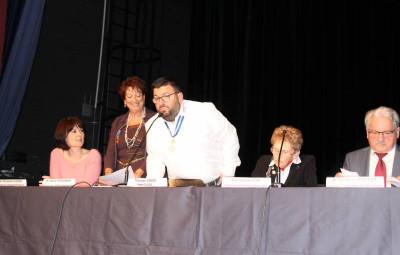 Sylvain Zanetti, au centre, entourée de Monique Didier à sa droite et Françoise Didier à sa gauche.