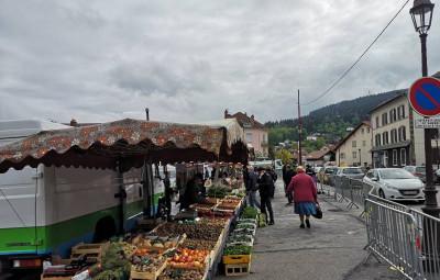 marché de Gérardmer place du 8 Mai masques (1)