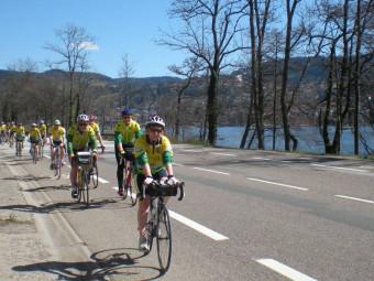 photo cyclo au bord du lac
