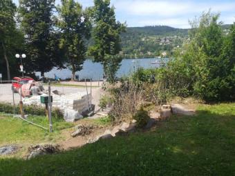 Le club recommande la prudence aux usagers pour l'accès côté quai du Locle qui longe le chantier des courts 5 et 6.