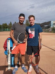 Les finalistes hommes Hugo Perrin et Arnaud Holl