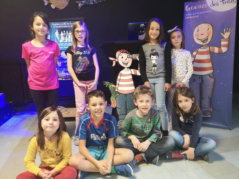 Les enfants de l'accueil de loisirs du mercredi ont enregistré la publicité de Graines des Toiles destinée aux radios.